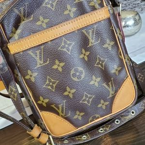 Sold💟Louis Vuitton DANUBE CROSS BODY SHOULDER Mon